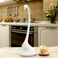 Creative kitchen spoon elegant swan PP material