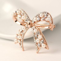 Lady Elegant Charming High-grade Pearl and Rhinestone Crystal Bowknot Brooches Pins 18K Gold Plated Alloy Jewelry Brooches Accessories for Prom