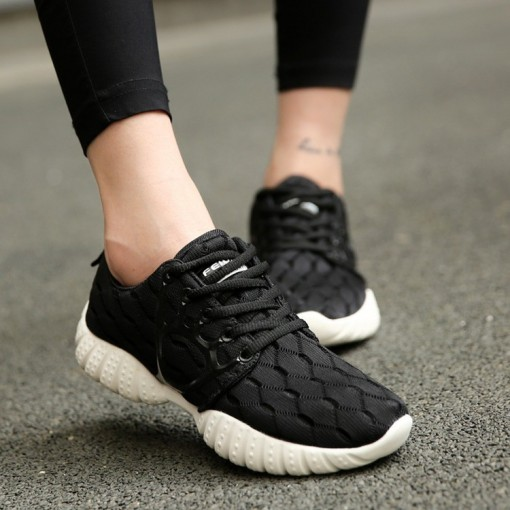 2016 Summer Breathable Sports Shoes Korean Couple Running Shoes Female Student Flat Shoes Casual Shoes Mesh Is Suitable for Men and Women