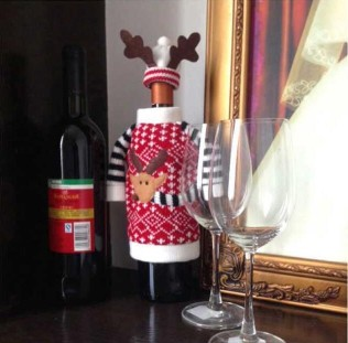 Christmas Deer Style Wine Bottle Cover Clothes + HatChristmas Deer Style Wine Bottle Cover Clothes + Hat<br>