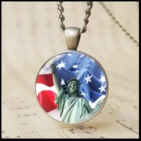 12pcs fashion American Statue of Liberty pendant jewelry USA American flag jewelry Cabochon glass Torch pattern photo Chain Necklace Patriotic souvenir Olympic Games Gift T1017