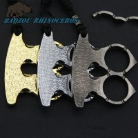 Self-defense broken Windows machine outdoor self-defense self-defense equipment ring weapons and equipment refers to the tiger alloy ghost hand self-defense refers to buckle
